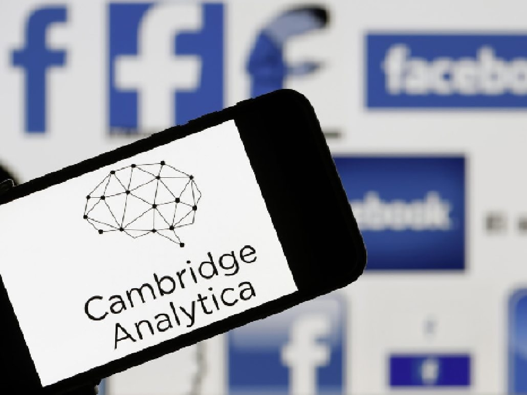 Prima multa a Facebook per lo scandalo Cambridge Analytica